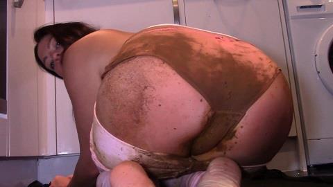 Evamarie88 - Pussy Is My Toilet (Part 3) [FullHD, 1080p] [ScatShop.com]