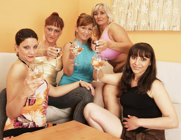 Elysa(46), Julia C.(21), Pamela(41), Catelina(40), Karly(32) - SMM-Alex29 (2019/HD)