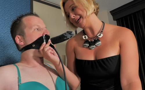 Brianna - Teaches Locked How To Pleasure A Woman (UltraHD/4K)