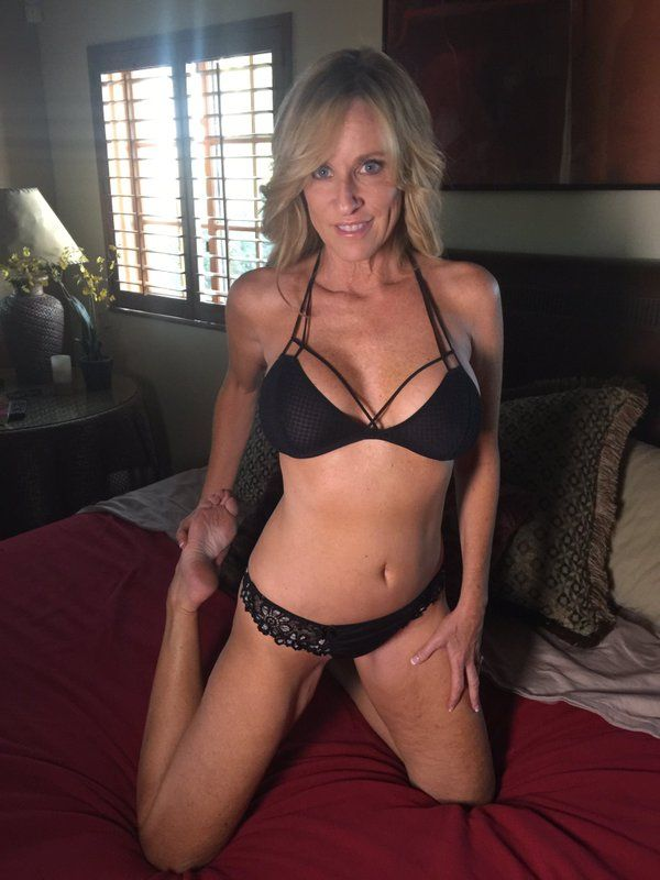 Jodi West - Could I Be A MILF? [JodiWest] (HD|WMV|870 MB|2019)
