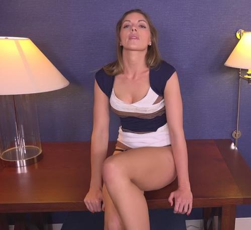 Kendra - 32 year old with sex eyes that could kill (650 MB)
