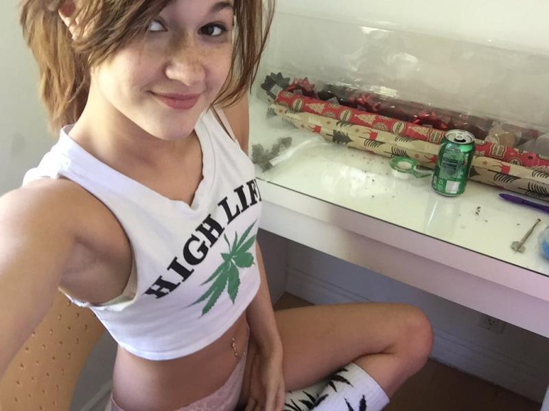 Alaina Dawson - Virtual Vacation Las Vegas 2/3 (ATKGirlfriends) [UltraHD 4K 2160p]