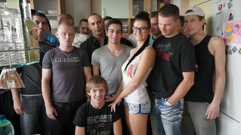 CzechAV: Amateurs GANGBANG 16 [HD 720p]