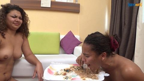 Paloma, Lisa Black - Amateur Scat Lunch (FullHD 1080p)