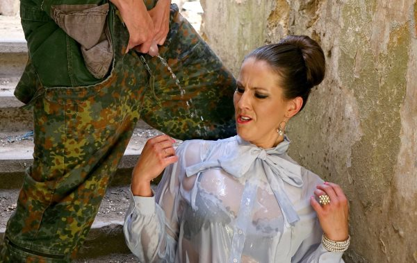 Tainster: Valentina Ross - Thank You For Your Piss Service! (HD) - 2019