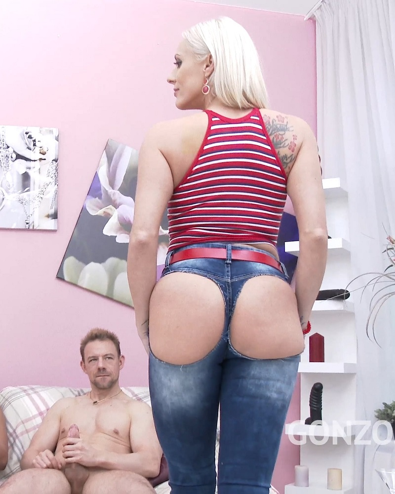 Brittany Bardot, Erik Everhard, Ian Scott, Ed Junior, Mike Angelo: Takes no toys only big cocks DP DVP DAP & double pussy creampie SZ1926 (SD / 480p / 2019) [LegalPorno]