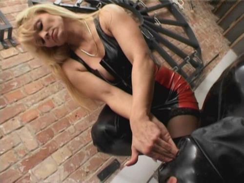 Mistress Cynthia - Mistress Cynthia has her own will very forcefully... (804 MB)