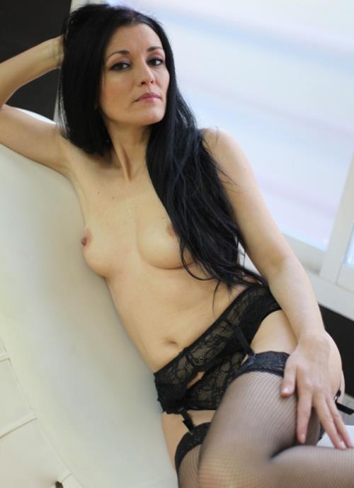 Carmen, Gemma, Violeta - 27 lefazos para la madurita! (HD)