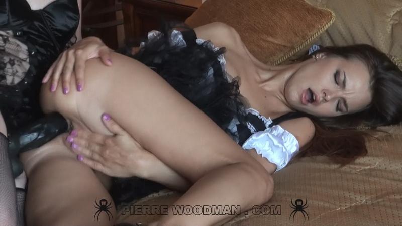 [WoodmanCastingX] Rose Delight And Suzie Carina - Mistress And Servant (FullHD/2019/2.84 GB)