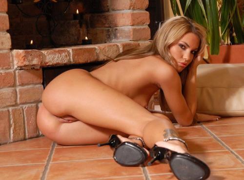 Veronika Fasterova - Striptease (742 MB)