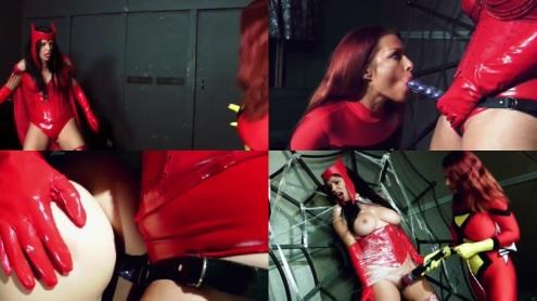 Goldie Blair - Scarlet Witch VS Spider-Woman (19.02.2019/Clips4sale.com/HD/720p)