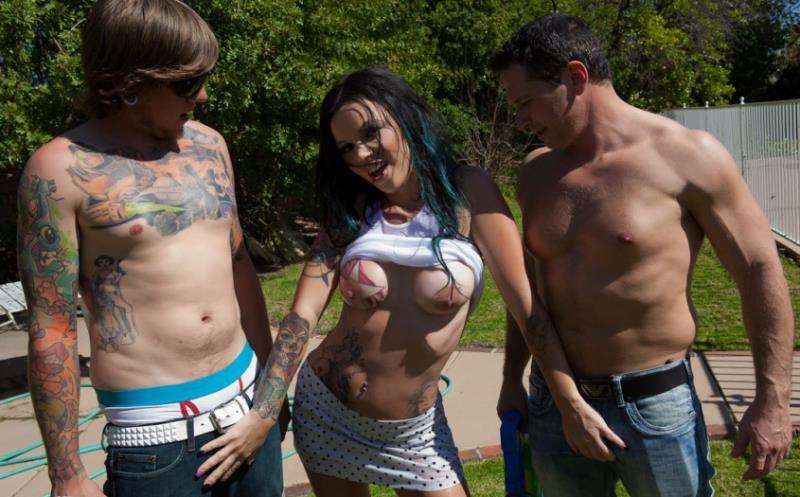 Brittany Lynn: Wet Titty DP (HD / 720p / 2019) [BurningAngel]