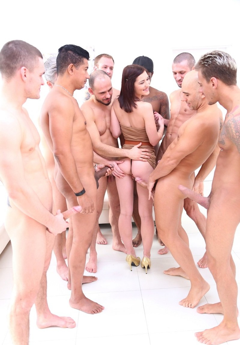 Mina, George Lee, Ed Junior, Cristian Clay, Chris Diamond, Thomas Lee, Max Dior, Luca Ferrero, Lutro, John - Mina Anal Gangbang SZ2109 [LegalPorno] (HD|MP4|1.92 GB|2019)