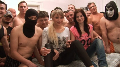 Amateurs - Czech gangbang (HD 720p) - Czechav - [2019]
