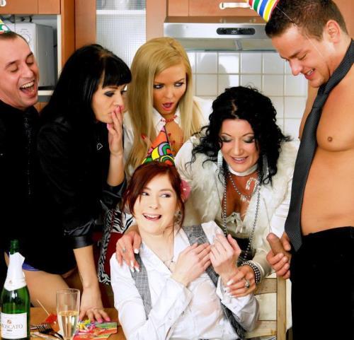 Celine Noiret, Jenna Lovely, Kate Gold, Adel Sunshine - The Piss & Jizz Surprise (752 MB)