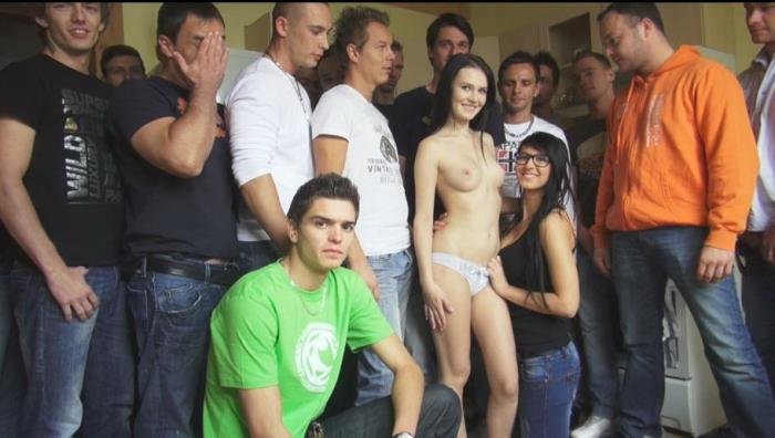 Amateurs - CZECH GANGBANG 13 (HD 720p) - CzechAv - [2019]
