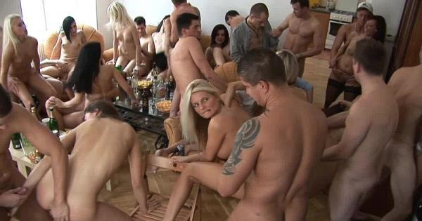 Amateurs - Czech Home Orgy 6 - Part 4 (2019/HD)