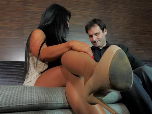 Hart Raven - Worship My Stockings and Pussy After Our Date (FullHD)