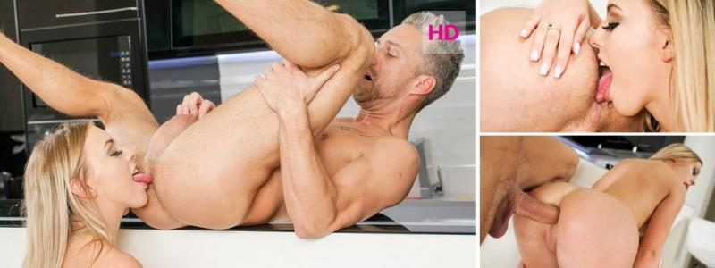 Danielle Soul: Rimjob Relax Part 4 : Born To Rimjob (FullHD / 1080p / 2019) [GirlsRimming]
