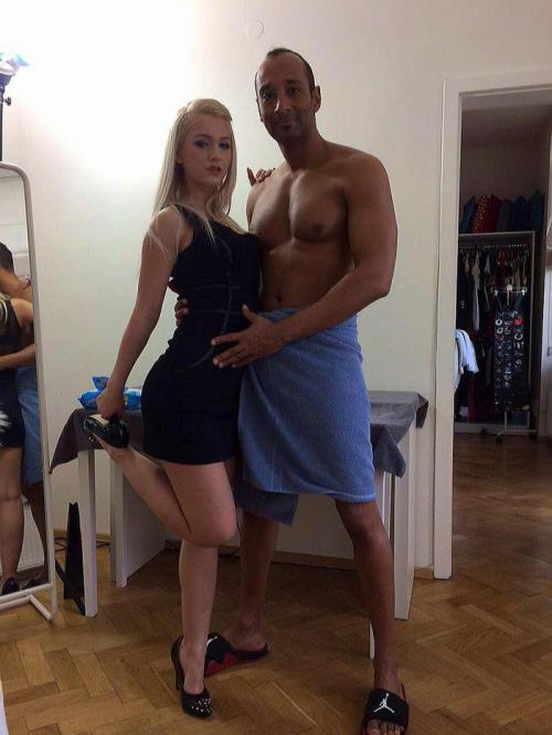 Amanda Paris - Blonde hottie Amanda Paris 3on1 anal DP SZ8861 (HD)