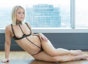 Ash Hollywood - Sexy Blonde Escort Gives Up Her Ass for her Client (2018/FullHD)