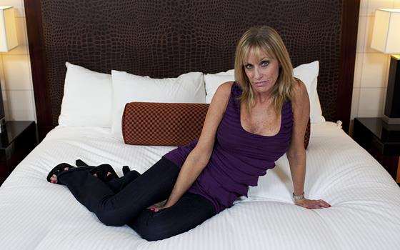 Jessie - 50 year old gilf comes back for anal (2019/HD)