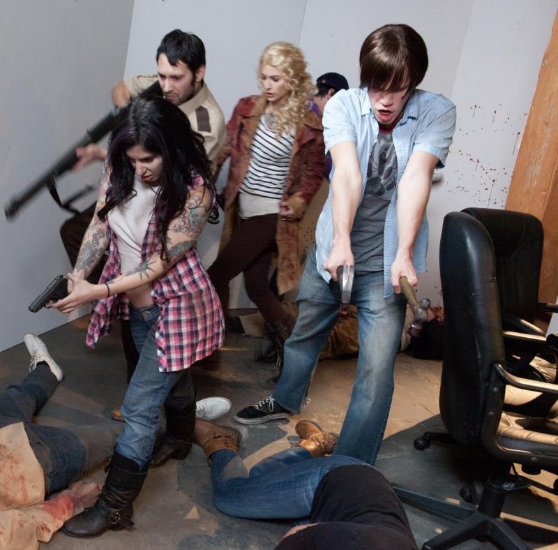 Joanna Angel, Larkin Love, Arabelle Raphael, Kleio Valentien, Wolf Hudson - Walking Dead Orgy (Burningangel) [HD 720p]