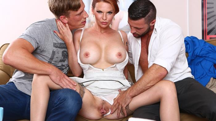 Tarra White - Hard DP with 2 strangers for my wife Tarra White (FullHD 1080p) - DorcelClub - [2019]