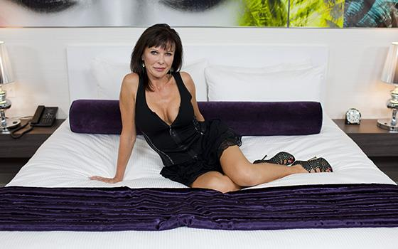 Alicia - 49 year old yummy swinger wife (2019/HD)