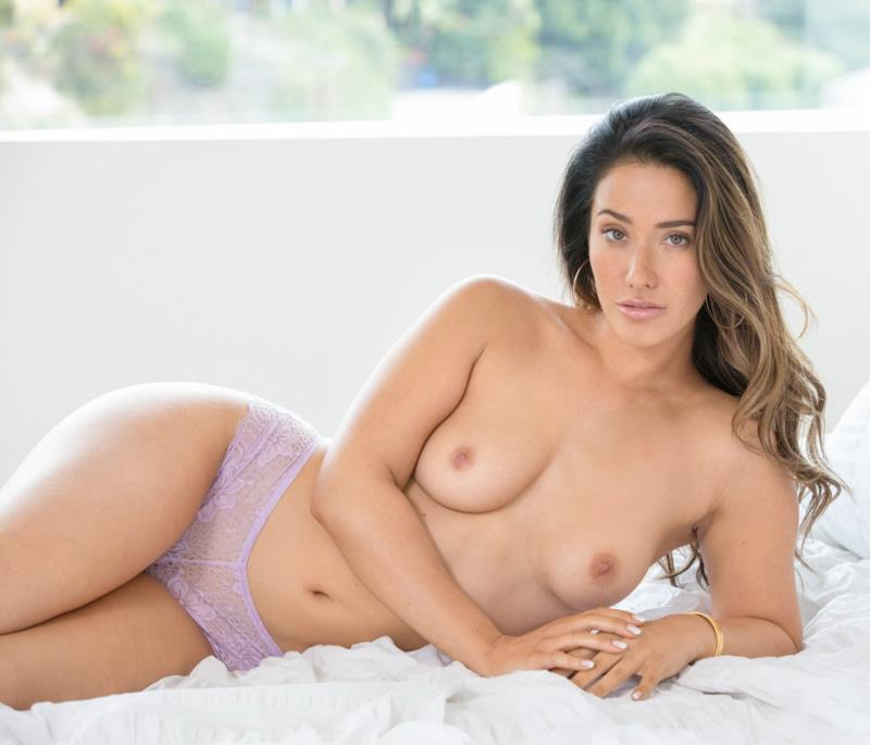 Eva Lovia - Catching Up (Blacked) [SD 480p]