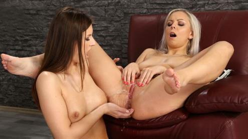 Jenifer Jane, Julia Parker - Sharing Streams [HD, 720p] [VIPissy.com]