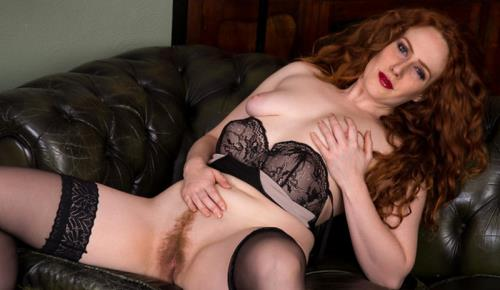 Amy C - Natural Redhead (1.01 GB)