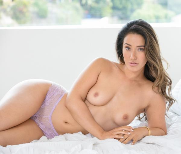 Eva Lovia - Catching Up (2019/SD)
