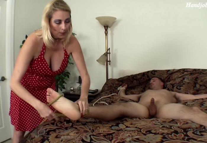 Various Actris - MOM TEASED MY COCK TABOO (FullHD 1080p) - Clips4Sale - [2019]