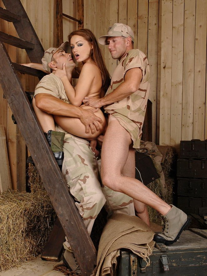 Sophie Lynx - Corking The Corporal (DDFProd) [HD 720p]