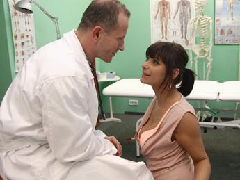 Tera Joy - Doctor fucks his ex girlfriend (2019/HD)