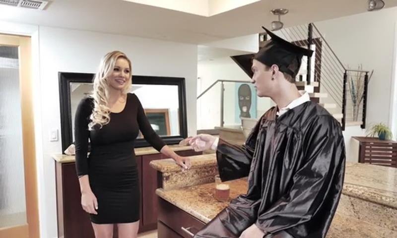 [Clips4Sale] - Kenzie Taylor - Cap And Gown Dick Down (2019 / SD 360p)