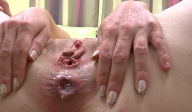 Vanille - Vanille se fait fourrer le cul comme jamais par son coloc (2019/HD)