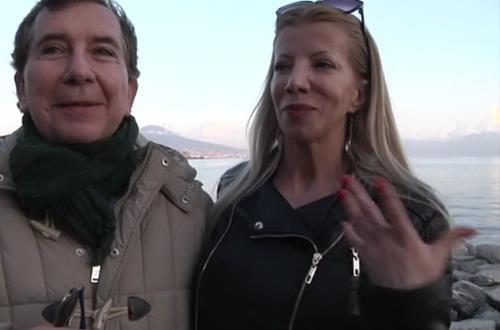 Lara - Naples : Lara cougar sodomaniaque ! (SD)