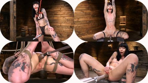Charlotte Sartre - Sexy Goth Slut Charlotte Sartre Gets Machine Fucked In Bondage (11.03.2019/FuckingMachines.com, Kink.com/SD/540p)