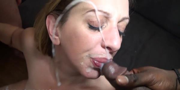 Louise Du Lac - An experienced milf always loves double penetrations (2019/HD)