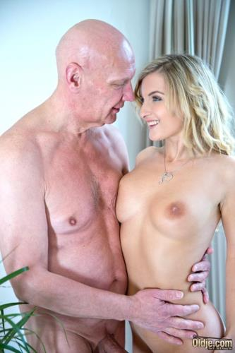 Jemma Valentine - Messing With the Young Maid (1.72 GB)