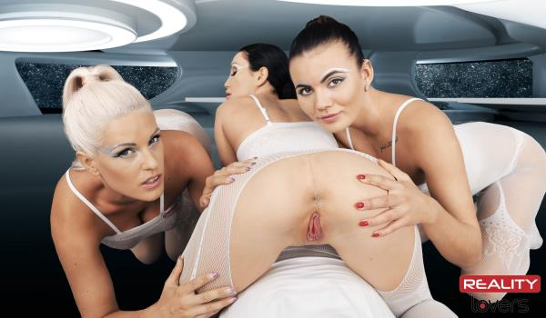 Patty Michova, Vanessa Decker, Blanche Bradburry - Space Orgasm (2019/UltraHD 2K)