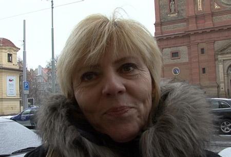 Rychlyprachy: Jitka aka Chanel Carrera - Praha - Stefanikova ulice [315 MB] - [SD 480p]