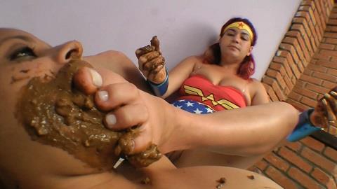 Yara Amorin, Nikki - Scat Wonder Woman (FullHD 1080p)