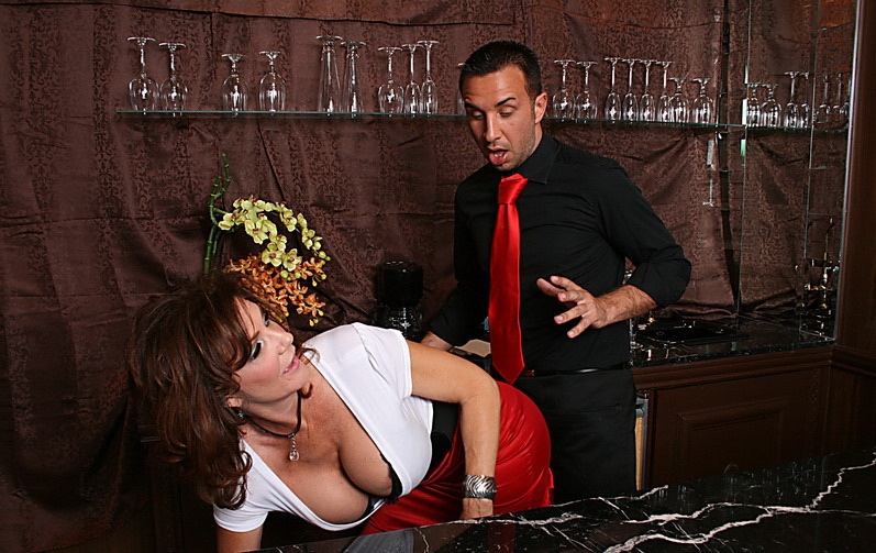 Deauxma - Thirsty for COCKtail (Brazzers) [SD 432p]