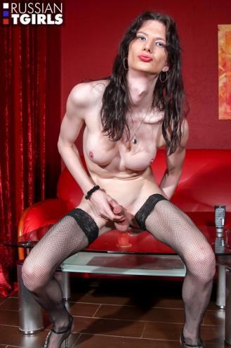 Elvira - Elvira Strips Like A Pro! [FullHD, 1080p] [Grooby.com, RussianTGirls.com]
