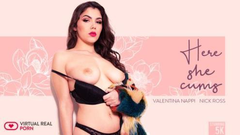 Valentina Nappi - Here She Cums - 5K (23.03.2019/virtualrealporn.com/3D/VR/UltraHD 4K/2700p)