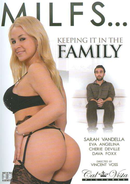 MILFS: Keeping It In The Family (SD 400p) - [2105]