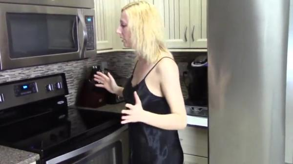 Various Actris - Mom Son Kitchen Incest [SD 480p] 2019